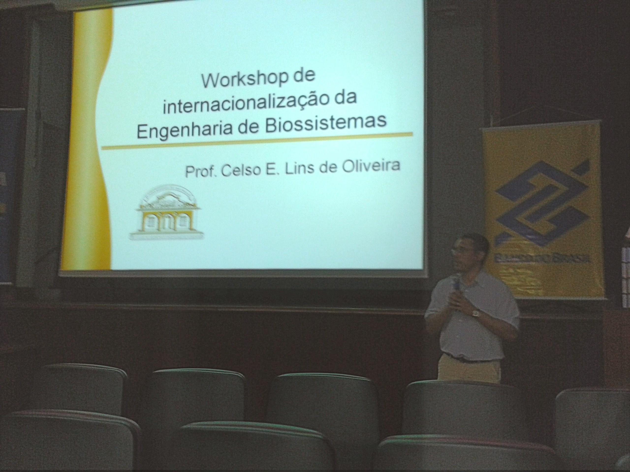 Abertura com o professor Celso E. L. Oliveira. Foto: divulgação.