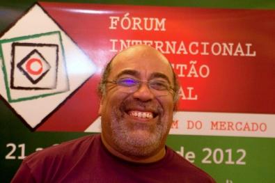 Prof. Dennis de Oliveira